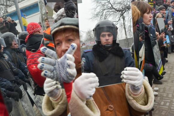 Ukraine-police-mirror-protest-e1388874814514